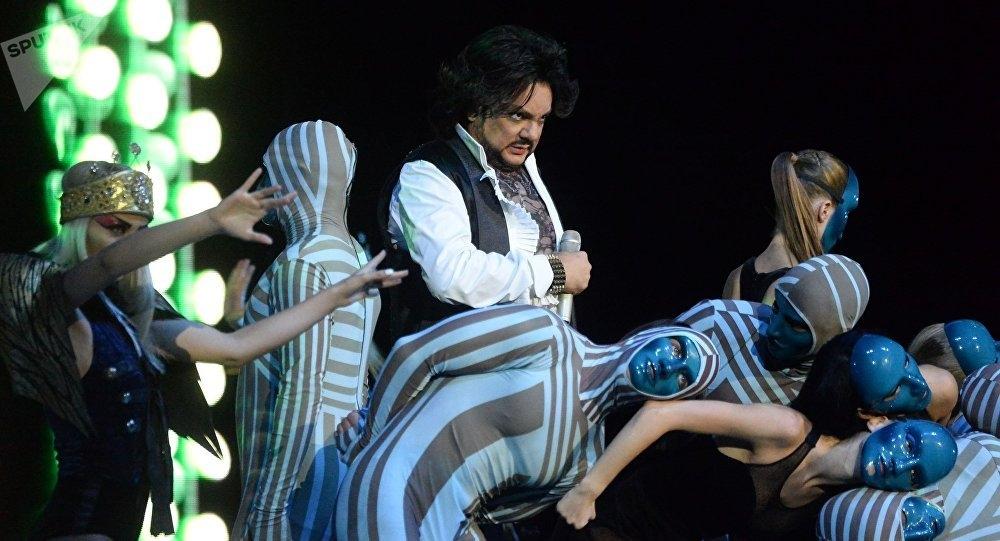 Концерт филиппа киркорова в томске билеты кино астана купить билеты онлайн